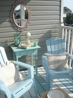Traditional Porch Front Porch Design, Pictures, Remodel, Decor and Ideas - page 11 Beach Cottage Style, Beach House Decor, Home Decor, Beach Houses, Beach Condo, Style At Home, Plastic Patio Chairs, Plastic Adirondack Chairs, Deco Cool