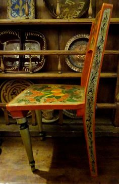 VINTAGE USSR RUSSIAN TRADITIONAL WOODEN HAND PAINTED CHILDREN DOLLS CHAIR