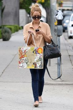 Celebrities with Balenciaga bags. Huur nu de Balenciaga City bag op www.bagsbydaans.com!