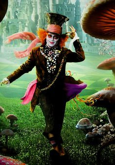 Image shared by brenda. Find images and videos about johnny depp, alice in wonderland and the mad hatter on We Heart It - the app to get lost in what you love. Johnny Depp Mad Hatter, Johnny Depp Movies, Wonderland Online, Film Tim Burton, Costume Carnaval, Mad Hatter Costumes, Alice In Wonderland Costume, Adventures In Wonderland, Through The Looking Glass