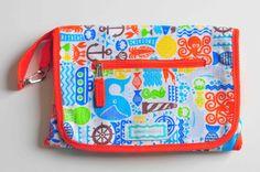 Cambiador Portapañal. Con tres bolsillos para llevar todo lo necesario para cambiar a tu bebé en un solo lugar. www.lorenzabasicos.com