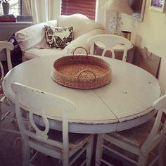 well distressed kitchen table, size great for small corners