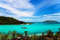 ILHAS SEYCHELLES, OCEANO ÍNDICO - Arquipélago com 115 ilhas que fazem parte da República Seychelles, possui dois Patrimônios Mundiais da Unesco, o Parque Natural Vallée de Mai e o Atol de Aldabra, um dos maiores atóis de corais do mundo.