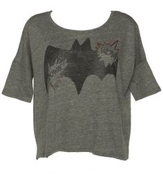 This delightful Batman design comes on a cool, slouchy tee with a retro-tastic wings logo and Wow print on the front. It really does have the wow-factor!