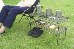 Das von IKEA sieht aus wie ein Feldregal, das auf dem Campingplatz aktiv ist, also habe ich es tatsächlich verwendet. Camping Table, Camping Glamping, Camping Stove, Camping Gear, Outdoor Camping, Outdoor Gear, Picnic Blanket, Outdoor Blanket, Farm Gardens