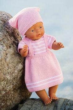 Ravelry: Nr 12 Dukkeklær pattern by Brigitte Myklebust Knitting Dolls Clothes, Knitted Dolls, Doll Clothes Patterns, Doll Patterns, Baby Born Clothes, Bitty Baby Clothes, Knitting For Kids, Baby Knitting, Crochet Baby