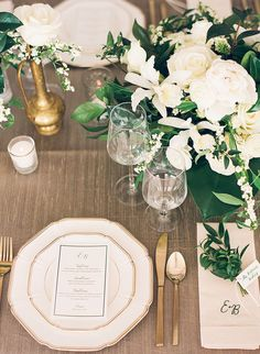 Gold and white wedding decor | Wedding & Party Ideas | 100 Layer Cake