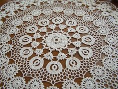 Serweta,Bieżnik - koronka irlandzka j. koniakowska Crochet Table Runner, Crochet Gifts, Irish Crochet, Baby Knitting Patterns, Table Runners, Elsa, Couture, Rugs, Lace