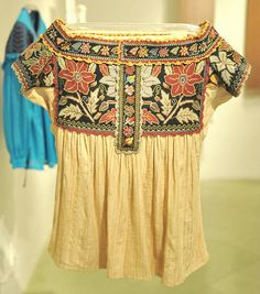 mexican embroidery.Chatino Blouse Mexico