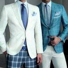 To change up your look, try pairing a solid piece with a patterned piece. Make sure the colors compliment each other when you try this look.