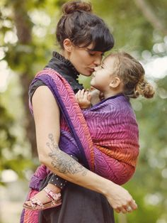 Rive Pasque baby wrap made in Scotland by Oscha Slings from organic combed cotton and hemp.