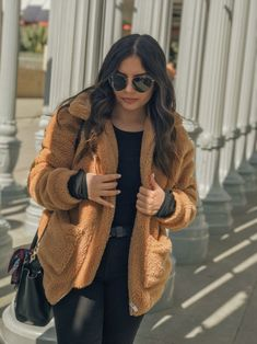 Teddy bear coat, SHEIN, black jeans, topshop, faux fur coat, Lacma, LACMA museum, white, brown, camel, tan, dark hair, lipstick, wavy hair, cozy, casual outfit, los angeles, sunny day, ray ban glasses, black sunglasses, sunglasses, ray ban, black belt, all black outfit