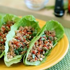 healthy restaurant-style lettuce wraps… less than 300 calories, only 7 carbs, and loaded with 58 grams of protein! I Love Food, Good Food, Yummy Food, Tasty, Healthy Snacks, Healthy Eating, Healthy Recipes, Asian Turkey Lettuce Wraps, Turkey Wraps