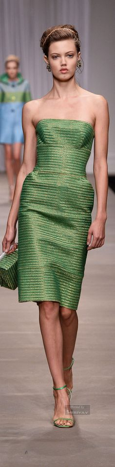 Ermanno Scervino Collection Spring 2015 Ready-to-Wear Green Fashion, Love Fashion, High Fashion, Fashion Show, Womens Fashion, Women's Dresses, Beautiful Outfits, Cool Outfits, Amazing Outfits