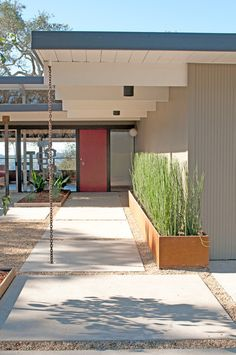 chain+horse tail ... midcentury exterior Our 1954 Mid Century Ranch Home, Napa, CA