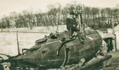 Rare photo of the Russian submarine in Siberia, 1918 Russian Submarine, Submarines, Aircraft Carrier, Rare Photos, Military Vehicles, Statue Of Liberty, Dark, Ships, Boats