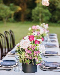 📷 Decor Style⠀ ⠀ The Creative Team⠀ Photography: @callib.photography ⠀ Marquee: @eventsintents ⠀ Styling: @clweddingsandevents ⠀ Flowers: @mondofloraldesigns ⠀ Caterer: @thevanfinestreetfood ⠀ ⠀ #sunshinecoastbrides #sunshinecoastweddings #weddinginspiration #weddingphotography #wedding #weddingflowers #weddingstyling #weddingdecor https://www.instagram.com/p/BW3GoyLFIU9/ Sunshine Coast Brides www.sunshinecoastbrides.com.au