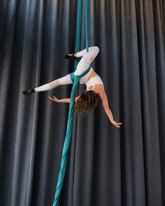 Same side sit-through shapes Aerial Acrobatics, Aerial Dance, Aerial Silks, Aerial Yoga Hammock, Aerial Arts, Physique, Like You, Qigong, Poses