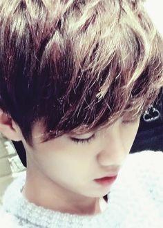 Luhan sleeping <3