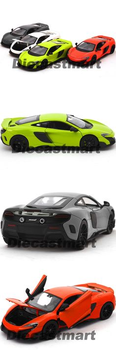 Welly McLaren 675LT Coupe 1:24 Display Diecast Model Toy Car 24089