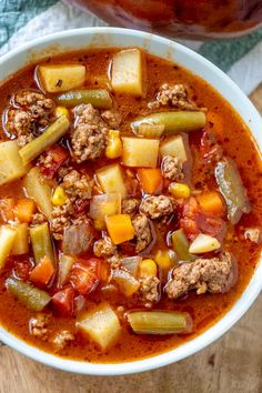 When it comes to comfort this Vegetable Beef Soup is where it& at. With a short list of ingredients this easy soup is delicious, hearty and satisfies the family! Beef Soup Recipes, Dinner Recipes, Cooking Recipes, Healthy Recipes, Healthy Soup, Delicious Recipes, Cooking Tips, Vegetarian Recipes, Vegetable Noodle Soup
