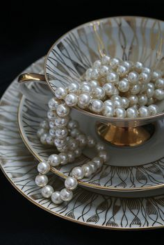 Pearls in a Teacup by missloni
