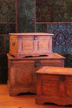 Ba l 2 cajones con candado colonial star furnitures for Bazar la iberica