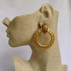 Hallmark is ⓒChanel® Made in France. C: Normal condition with a bit of scratches and used feeling. B: very good condition with little scratches and used feeling. Grade B. Chanel Earrings, Clip On Earrings, Drop Earrings, Chanel Designer, Vintage Earrings, Vintage Jewelry, Vintage Chanel, Designer Earrings, Make You Smile