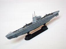 Model niemieckiego okrętu podwodnego U-995, typu VIIC/41. Długość modelu 19,5 cm. Model plastikowy, ręcznie złożony i ręcznie pomalowany w skali 1:350.