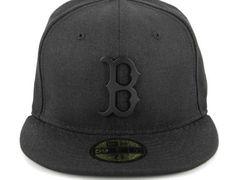 1377b6ab32cb4 Boston Redsox Metal Black Matte 59Fifty Fitted Cap by NEW ERA x MLB