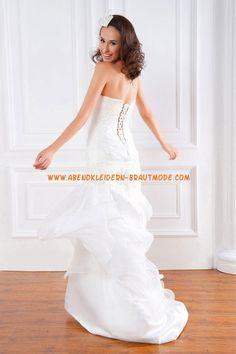 A-linie Designe Romantische Brautkleider aus Organza mit Schleppe