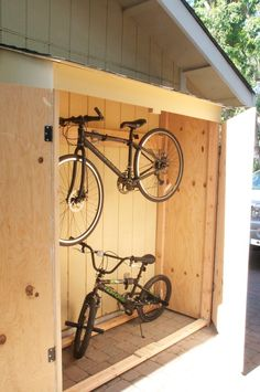 Want to find out about big shed plans? Then this is definitely the right place! Bicycle Storage Shed, Outdoor Bike Storage, Bike Storage Rack, Backyard Storage, Bike Shed, Shed Storage, Outside Storage, Garage Velo, Bicycle Garage