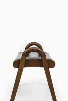 Vilhelm Lauritzen stool by Fritz Hansen at Studio Schalling