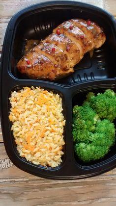 Yes Food Brasil - SPA 380gr - Linha Filé de frango com molho de laranja, arroz integral com cenoura e gengibre'e legumes.