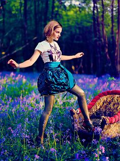 See Harry Potter star Emma Watson star in the pages and on the cover of of Teen Vogue Emma Watson Linda, Emma Watson Estilo, Hermione Granger, Vestidos Emma Watson, Norman Jean Roy, Looks Style, My Style, Vogue Photoshoot, Emma Watson Beautiful