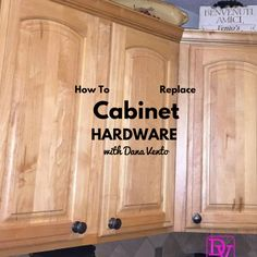 #before #after #cabinets #hardware #replacement #diy #CabinetHardware #howto #diyblog #kitchen #knobs #easy #easydiy #fast #holidays
