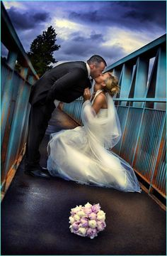 Purple Fairy Dust: All Things Beautiful: WEDDING - Picture Poses