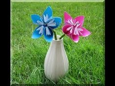 Origami Kusudama Flowers are one of the cutest origami creations. It is easy enough for kids to make with little adult supervision. Origami Envelope Easy, Easy Origami Flower, Cute Origami, Useful Origami, Oragami, Diy Origami, Cute Crafts, Crafts To Do, Crafts For Kids