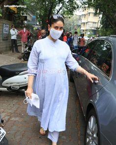 Saif & Kareena Kapoor Spotted At Clinic In Bandra Rajiv Kapoor, Randhir Kapoor, Rishi Kapoor, Kareena Kapoor Khan, Saif Ali Khan, Aamir Khan, Bollywood Actors, Bollywood News, Shammi Kapoor