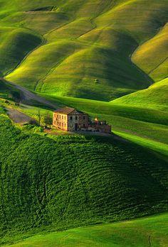 Tuscany, Italy,  by Pawel Kucharski - viaYuri Prokhorov's photo on Google+