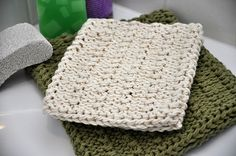 Knitted Nubby Bath Mitt by mopowers18, via Flickr