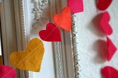 DIY: felt heart strings                       I love this idea!  I want to try it with stars, or chickens or bees or all kinds of things :) -Whit