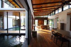 Ideia para o telhado da área social da casa.  Casa Natureza,© Spaceshift Studio