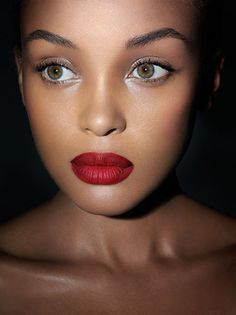 those red lips!