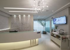 Função pela estética - Revista Sua Casa Law Office Design, Medical Office Design, Clinic Interior Design, Clinic Design, Lobby Design, Salon Design, Healthcare Architecture, Dental Design, Reception Counter