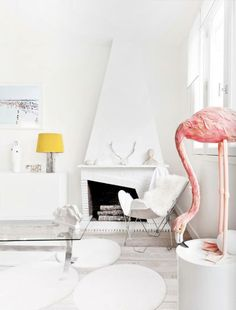 est magazine flamingo - Rebecca, I think it would be great to have a huge flamingo in my house!
