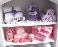 Luxury Lavender and Rose Soap Display Cabinet von afterdarkafterall