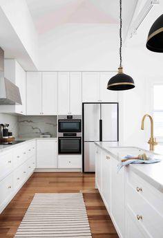 Ikea Kitchen Design, Home Decor Kitchen, Interior Design Kitchen, White Kitchen Interior, White Ikea Kitchen, Small White Kitchens, White Kitchen Cupboards, Brass Kitchen, Contemporary Kitchen Cabinets