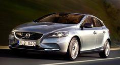 Nuevos motores Drive-E para el Volvo V40   QuintaMarcha.com Disponibles para los Volvo V40 y V40 Cross Country, los nuevos motores Drive-E, D4 de 190 CV y T5 de 245 CV, aúnan prestaciones con parcos consumos y emisiones contaminantes. A la venta en mayo.