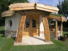 Earthed Sustainable Building, Design and Education - GREAT READ!  #green_homes, http://somethingbeautifuljournal.blogspot.com/2009/02/new-trophy-home-small-ecological.html?q=small+space